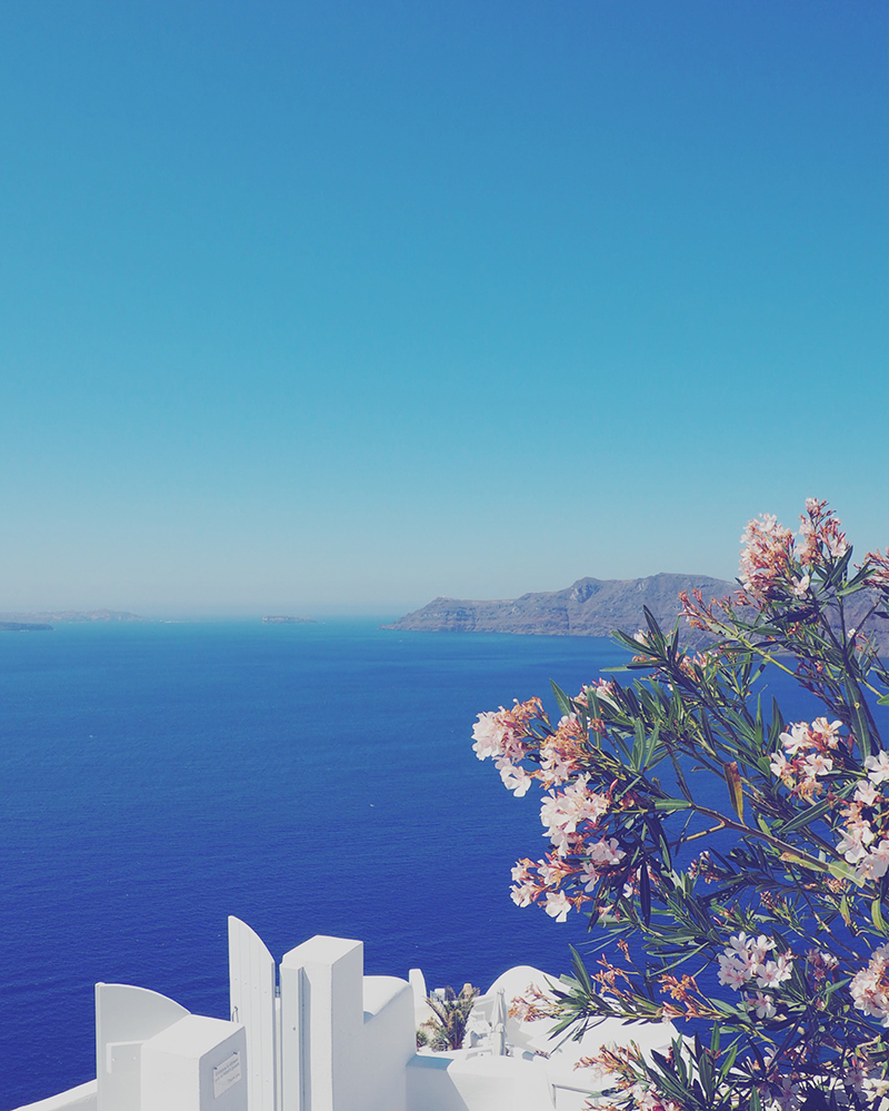 the a to z guide to santorini
