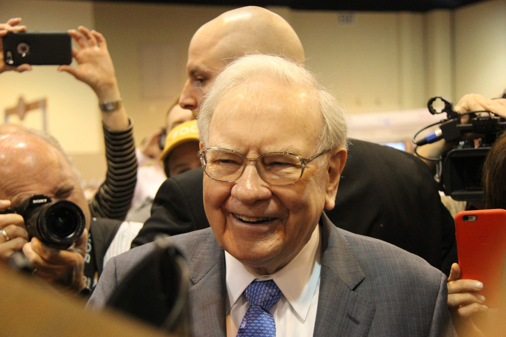 warren buffett guide to retirement investing